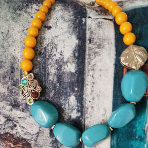 Jewelry - Chunky Turquoise and Yellow Gold Neckace